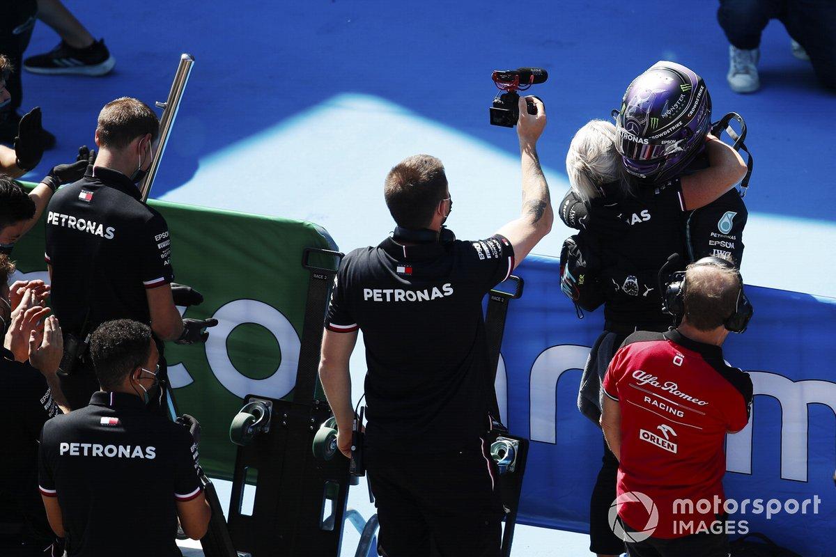 Y la 100ª llegó finalmente en el GP de España 2021 tras una batalla apretadísima contra Max Verstappen, que se quedó a 36 milésimas