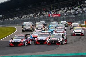 La partenza, Jean-Karl Vernay, Engstler Hyundai N Liqui Moly Racing Team Hyundai Elantra N TCR leads