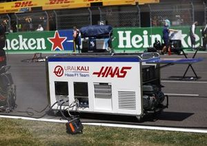 Haas F1 generator on the grid