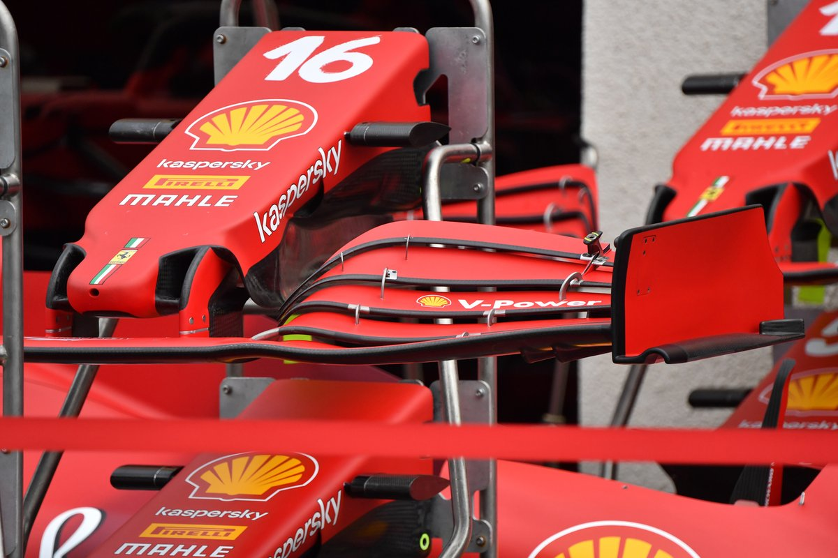 Detalle del frente y del alerón delantero del Ferrari SF21