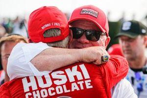 Marcus Ericsson, Chip Ganassi Racing Honda fête sa première victoire en IndyCar avec son patron Chip Ganassi