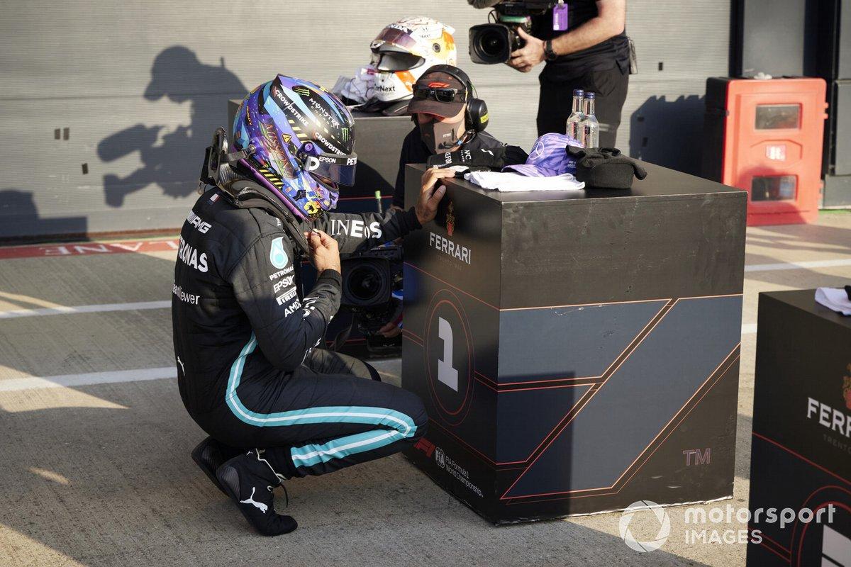 Ganador de la primera posición para la carrera Sprint Lewis Hamilton, Mercedes