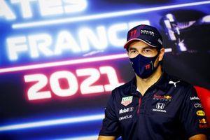Le 3ᵉ, Sergio Perez, Red Bull Racing, en conférence de presse