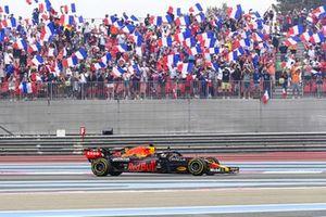 Max Verstappen, Red Bull Racing RB16B, célèbre sa victoire