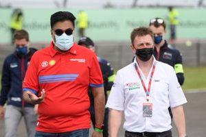 Dilbagh Gill, PDG et team principal de Mahindra Racing, Allan McNish, team principal d'Audi Sport Abt Schaeffler