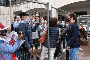Pierre Gasly, AlphaTauri arriving at Monaco