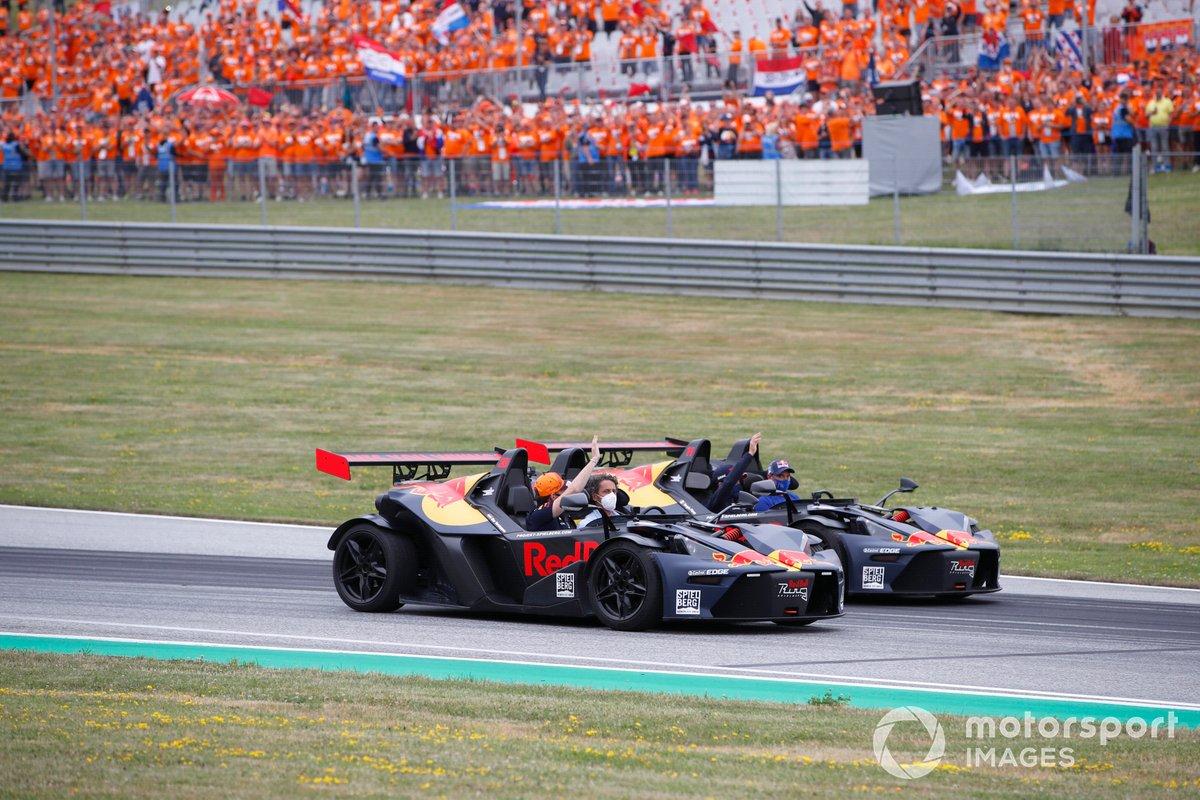 Sergio Pérez, Red Bull Racing, Max Verstappen, Red Bull Racing, en un KTM X-Bows