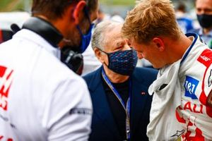 Jean Todt, President, FIA, and Mick Schumacher, Haas F1 , on the grid