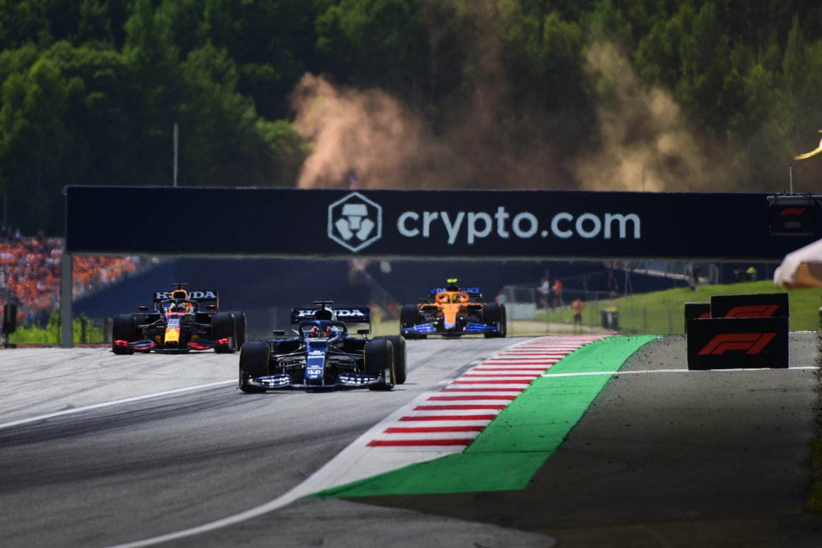 Yuki Tsunoda, AlphaTauri AT02, Max Verstappen, Red Bull Racing RB16B, Lando Norris, McLaren MCL35M