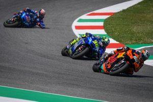 Miguel Oliveira, Red Bull KTM Factory Racing, Joan Mir, Team Suzuki MotoGP and Alex Rins, Team Suzuki MotoGP crash
