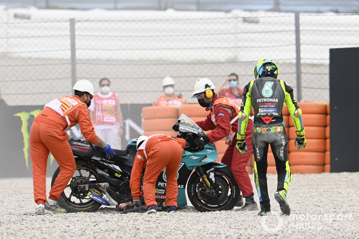 Valentino Rossi, Petronas Yamaha SRT después de la caída