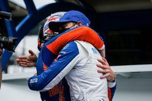 Scott Dixon, Chip Ganassi Racing Honda remporte la récompense NTT Data P1 pour la pole position, Alex Palou, Chip Ganassi Racing Honda
