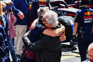 Flavio briatore and Jonathan Wheatley, Team Manager, Red Bull Racing, on the grid
