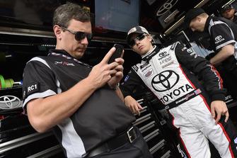 Brandon Jones, Joe Gibbs Racing, Toyota Camry Toyota Service Centers/Mobil 1 and Christopher Gabehart