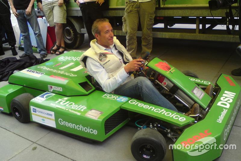 Tim Coronel in waterstofkart van Forze Hydrogen Electric Racing