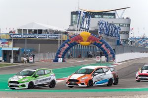 Ford Fiësta Cup tijdens Gamma Racing Day