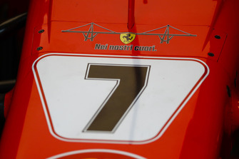 Ferrari SF71H with the emblem of Genoa's collapsed bridge and the message