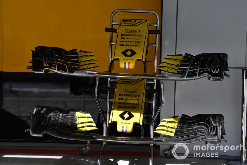 Des nez et ailerons avant de Renault Sport F1 Team R.S. 18