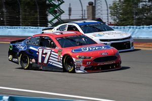 Ricky Stenhouse Jr., Roush Fenway Racing, Ford Fusion Ford and Alex Bowman, Hendrick Motorsports, Chevrolet Camaro Nationwide Children's Hospital