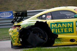 #47 HTP Motorsport Mercedes-AMG GT3: Maximilian Götz, Markus Pommer with a flat tire