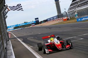 Il vincitore della gara Mick Schumacher, PREMA Theodore Racing Dallara F317 - Mercedes-Benz