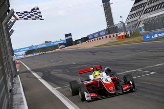 Racewinnaar Mick Schumacher, PREMA Theodore Racing Dallara F317 - Mercedes-Benz