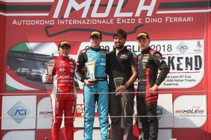 Podio Gara 3: il secondo classificato Enzo Fittipaldi, Prema Theodore Racing, il vincitore della gara Federico Malvestiti, Jenzer Motorsport, il terzo classificato Petr Ptacek, Bhaitech