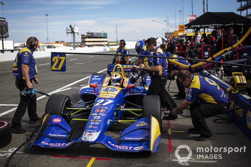 Автомобиль Andretti Autosport в боксах по ходу этапа серии IndyCar