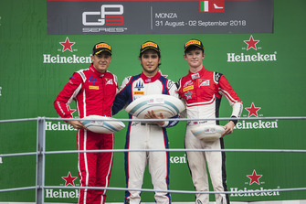 Podium: race winner Pedro Piquet, Trident, second place Giuliano Alesi, Trident, third place Callum Ilott, ART Grand Prix
