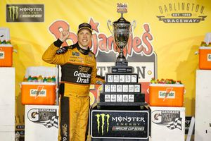 Brad Keselowski, Team Penske, Ford Fusion Miller Genuine Draft celebrates