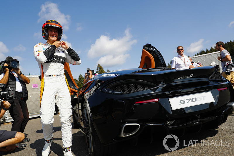 Stoffel Vandoorne, McLaren, se prépare à rouler en McLaren 570S