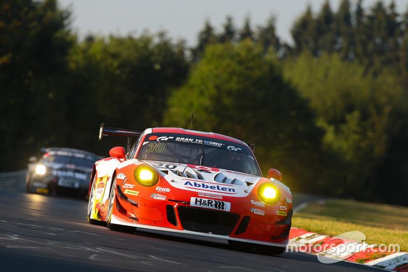 #30 Frikadelli Racing Porsche 911 GT3 R: Klaus Abbelen, Sabine Schmitz, Felipe Fernández Laser
