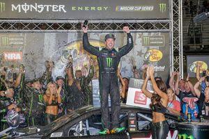 Курт Буш, Stewart-Haas Racing, Ford Fusion Monster Energy / Haas Automation