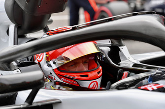 Kevin Magnussen, Haas F1 Team VF-18 on the grid