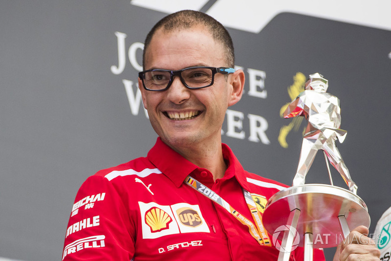 David Sanchez, Principal Aerodynamicist, Ferrari, receives the constructors trophy for Ferrari