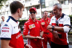 Charles Leclerc, Sauber, Sebastian Vettel, Ferrari and Beat Zehnder, Sauber Manager
