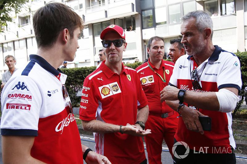 Charles Leclerc, Sauber, Sebastian Vettel, Ferrari y Beat Zehnder, Sauber Manager