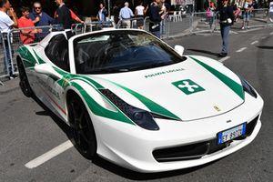 Une Ferrari de la Police