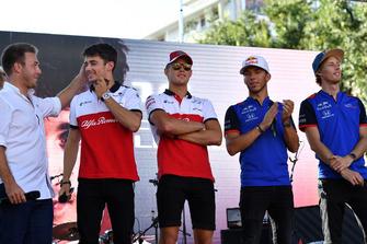 Davide Valsecchi, et Charles Leclerc, Alfa Romeo Sauber F1 Team, Marcus Ericsson, Alfa Romeo Sauber F1 Team, Pierre Gasly, Scuderia Toro Rosso Toro Rosso et Brendon Hartley, Scuderia Toro Rosso