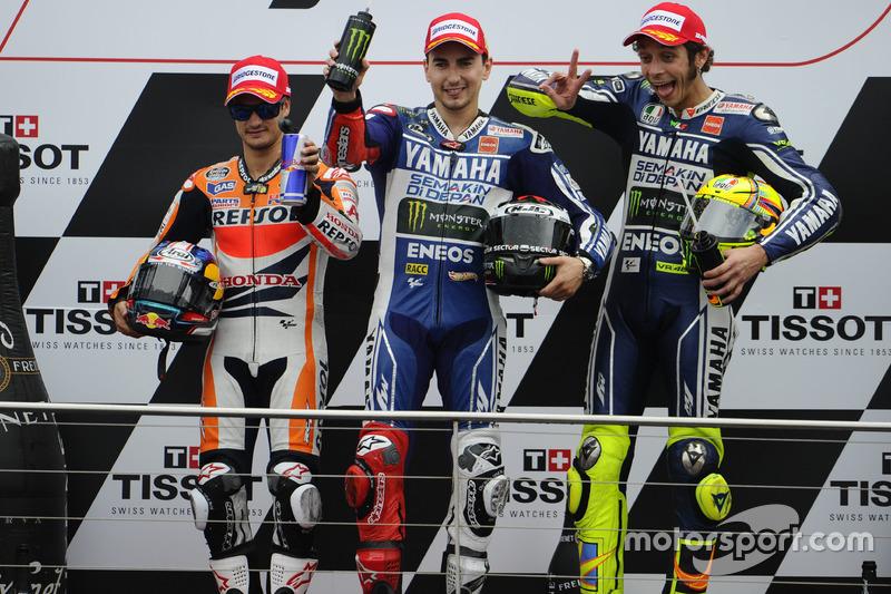 Podio: 1º Jorge Lorenzo, 2º Dani Pedrosa, 3º Valentino Rossi