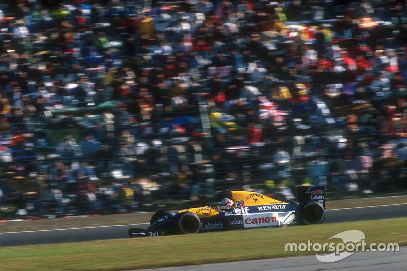 ... Titelkonkurrent Nigel Mansell von Platz 3 losfährt