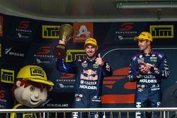 Podyum: 1. Jamie Whincup, Triple Eight Race Engineering Holden, 2. Shane van Gisbergen, Triple Eight