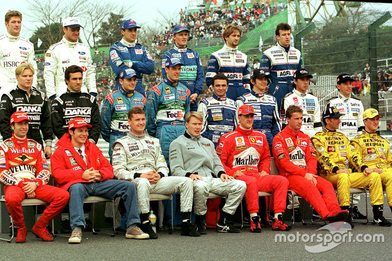 La photo de groupe des pilotes de 1998