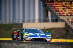 #66 Ford Chip Ganassi Racing Team UK Ford GT: Оливье Пла, Штефан Мюкке