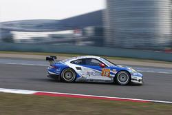 #78 KCMG Porsche 911 RSR: Christian Ried, Wolf Henzler, Joël Camathias