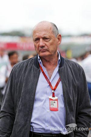 Ron Dennis, voorzitter McLaren op de grid