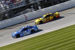 Clint Bowyer, HScott Motorsports, Chevrolet; Chris Buescher, Front Row Motorsports, Ford