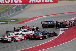 Start: #10 Wayne Taylor Racing Corvette DP: Ricky Taylor, Jordan Taylor leads