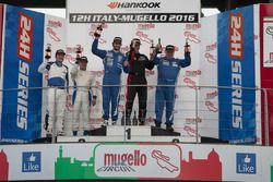 Podium A2: 1. #165 Besaplast Racing Mini Cooper S JCW: Franjo Kovac, Fredrik Lestrup, Henry Littig;