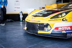 Detalle #50 Larbre Competition Chevrolet Corvette C7 Z06 , Yutaka Yamagishi, Pierre Ragues, Paolo Ru